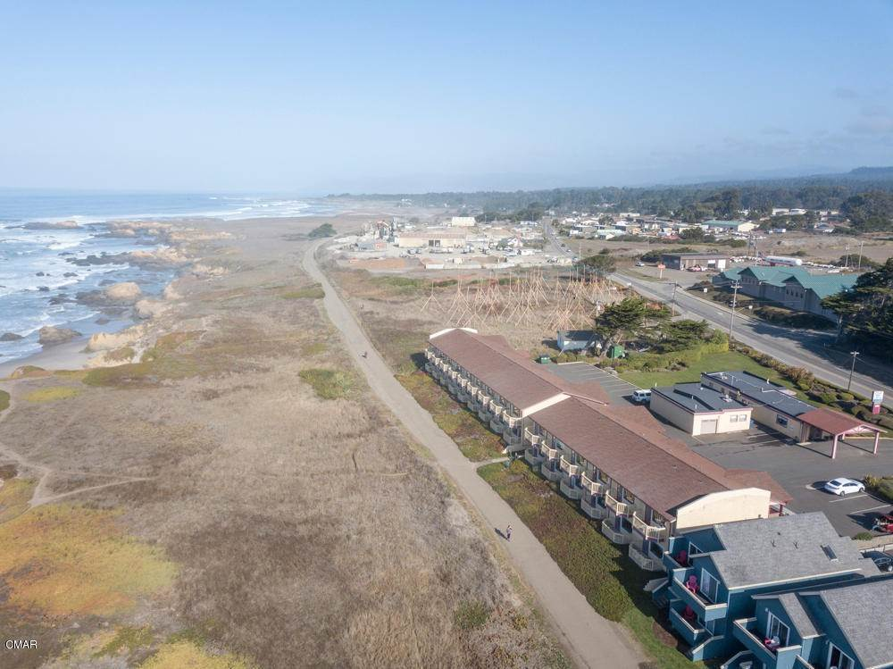 7. Commercial for Sale at 1141 N Main Street Fort Bragg, California 95437 United States
