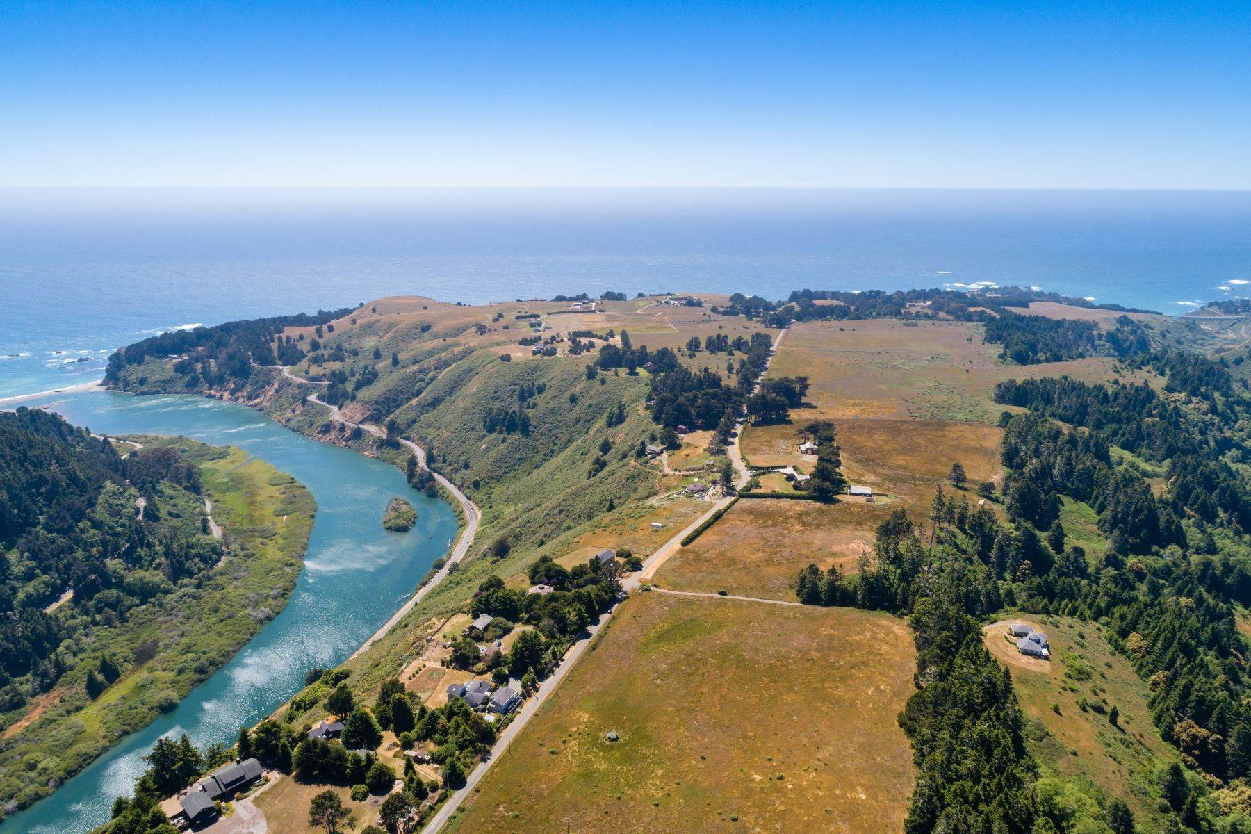 28. Farm and Ranch Properties por un Venta en Navarro Vista Farm 32550 Navarro Ridge Road Albion, California 95410 Estados Unidos
