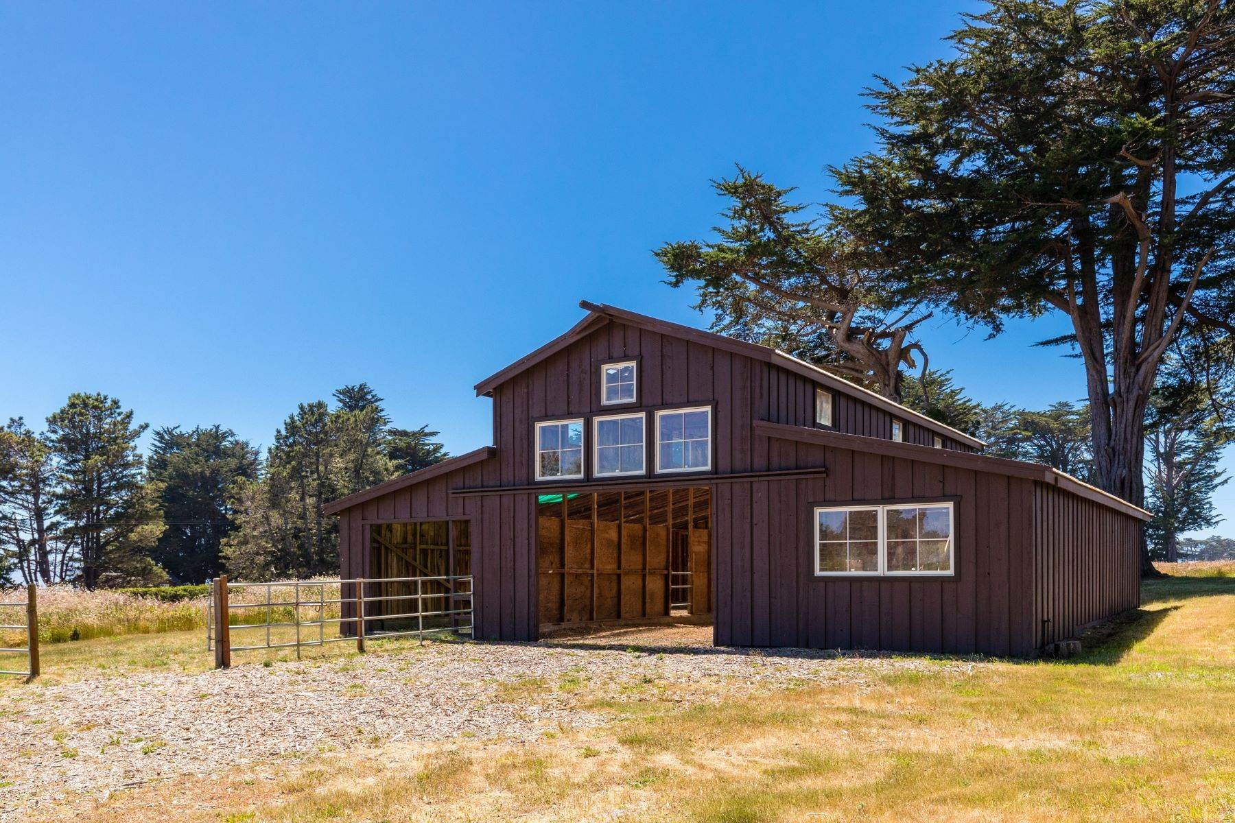 5. Farm and Ranch Properties por un Venta en Navarro Vista Farm 32550 Navarro Ridge Road Albion, California 95410 Estados Unidos