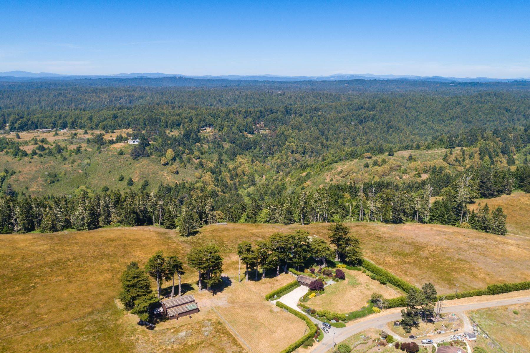 24. Farm and Ranch Properties por un Venta en Navarro Vista Farm 32550 Navarro Ridge Road Albion, California 95410 Estados Unidos