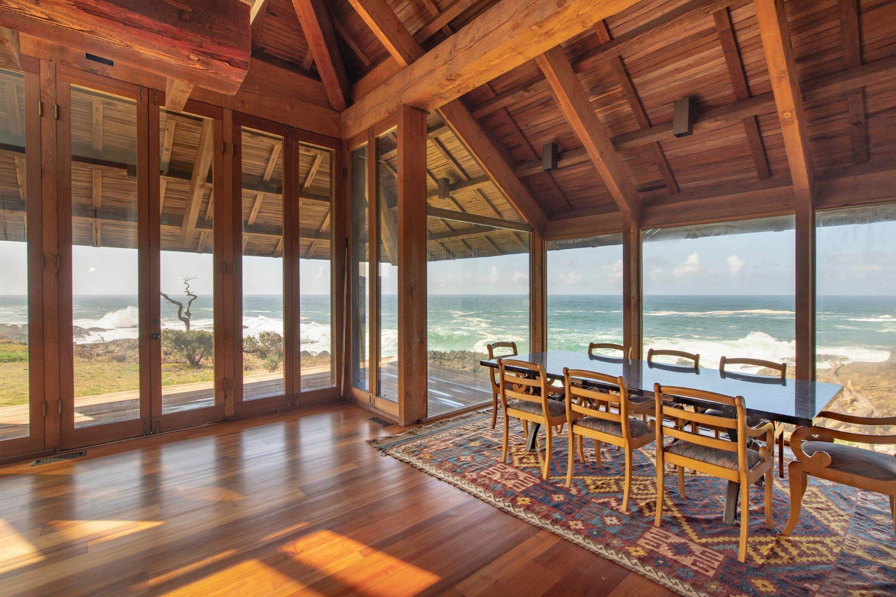 11. Single Family Homes for Sale at Whales Road House 45434 Indian Shoals Road Mendocino, California 95460 United States