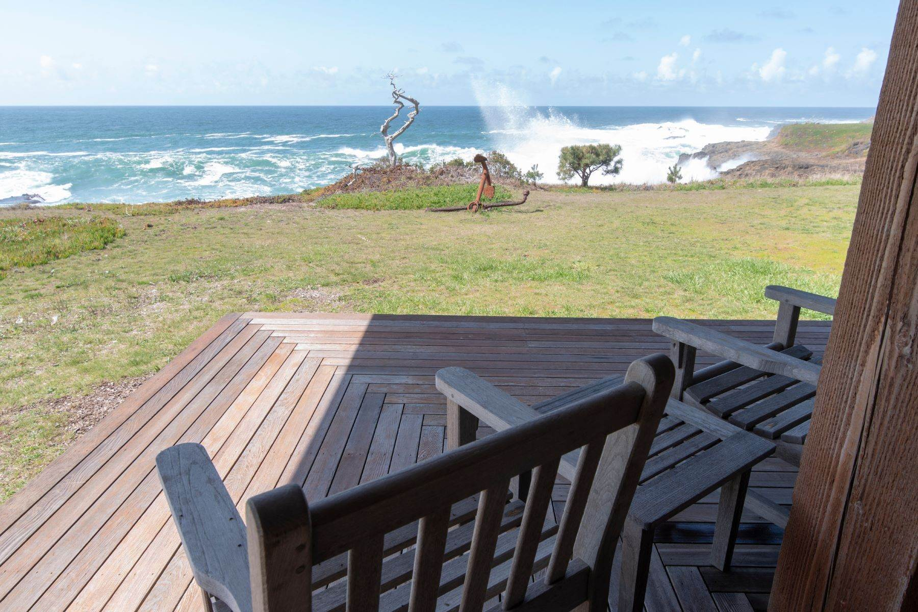 32. Single Family Homes for Sale at Whales Road House 45434 Indian Shoals Road Mendocino, California 95460 United States