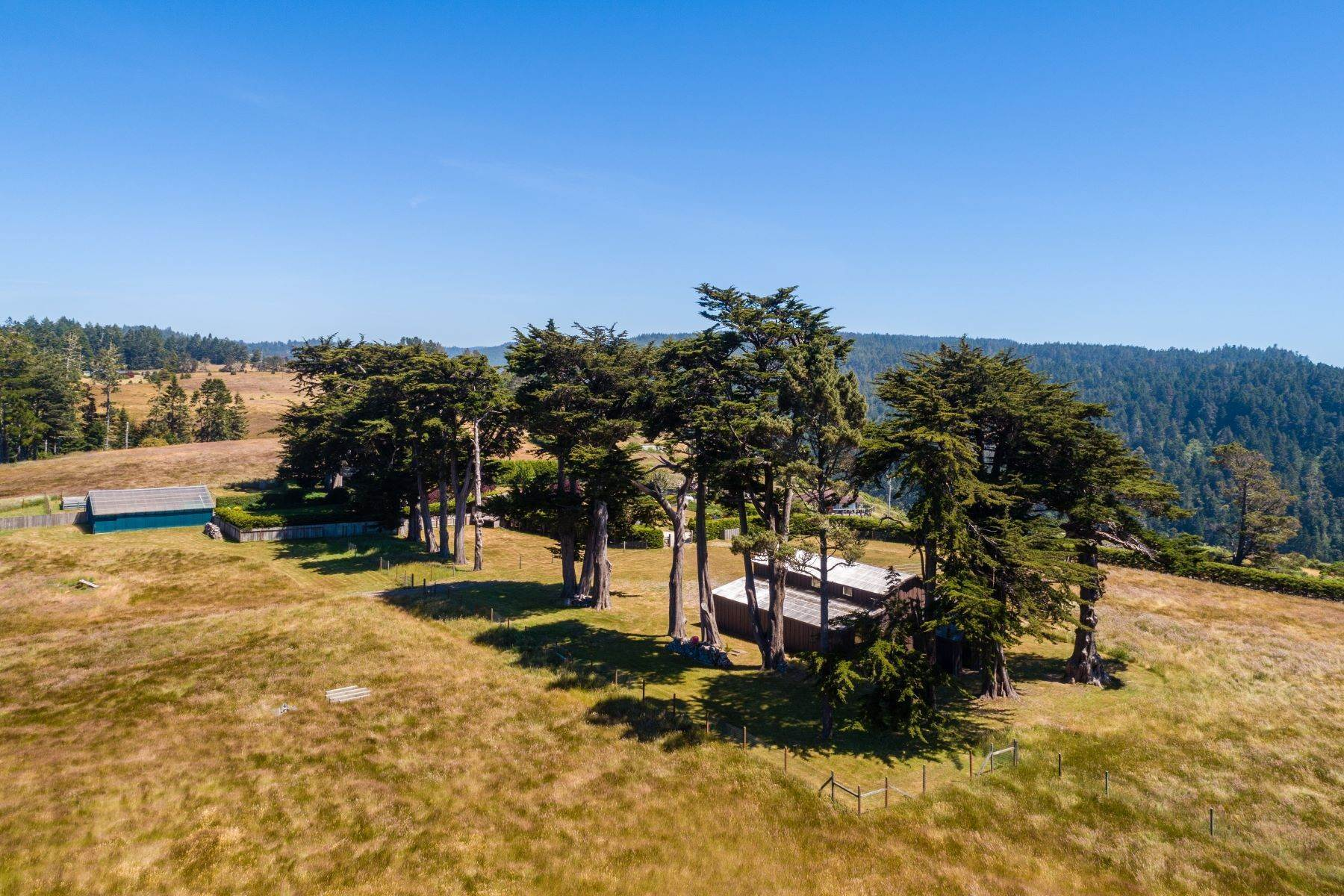 7. Farm and Ranch Properties por un Venta en Navarro Vista Farm 32550 Navarro Ridge Road Albion, California 95410 Estados Unidos