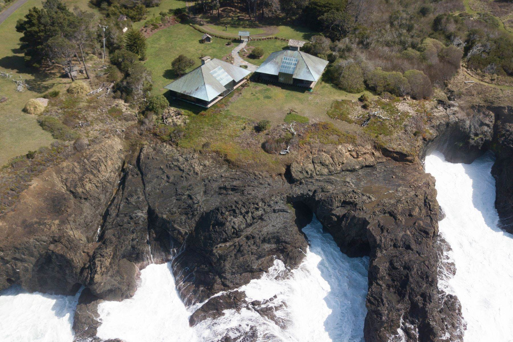 2. Single Family Homes for Sale at Whales Road House 45434 Indian Shoals Road Mendocino, California 95460 United States
