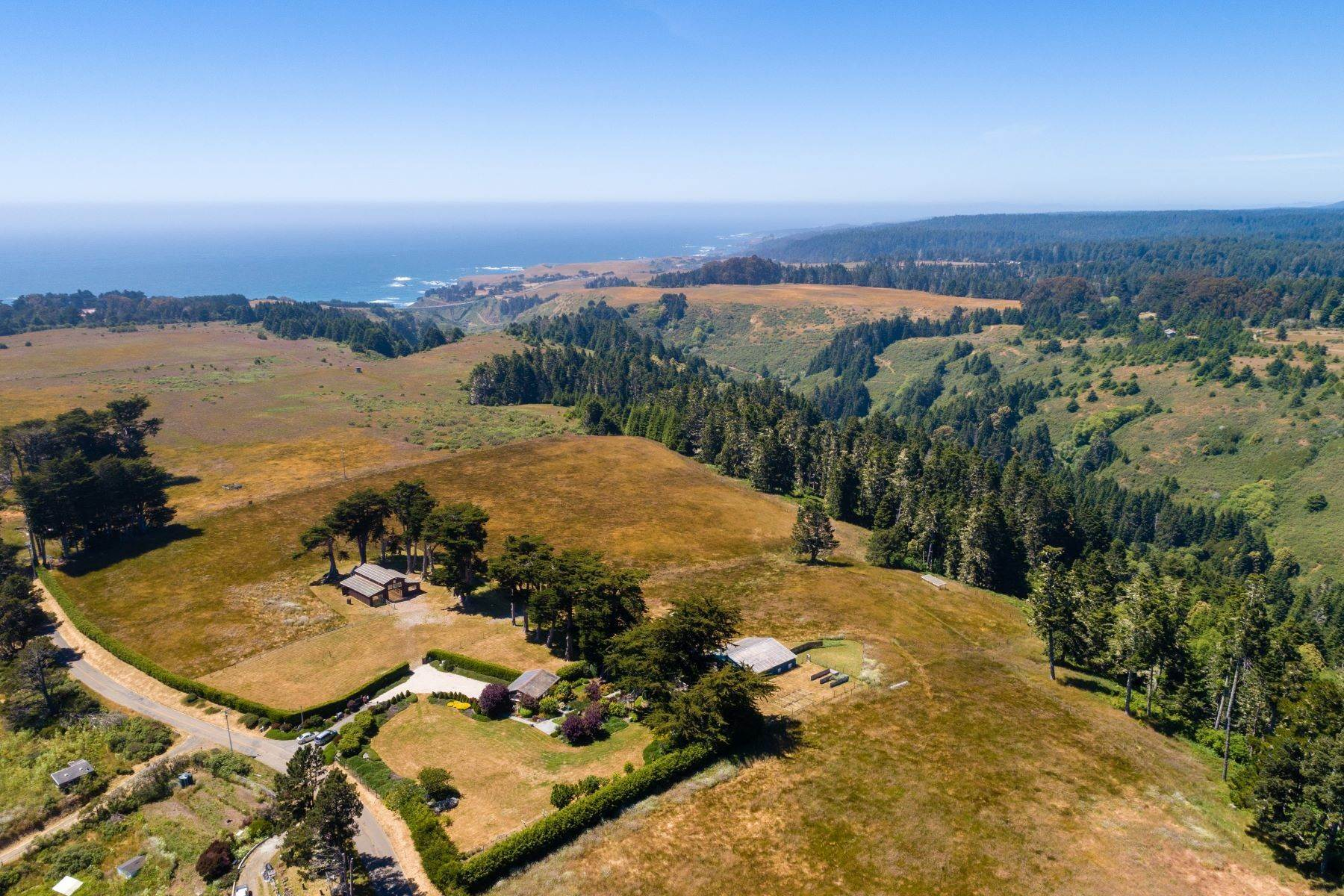 15. Farm and Ranch Properties por un Venta en Navarro Vista Farm 32550 Navarro Ridge Road Albion, California 95410 Estados Unidos